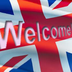 Иан Смит, глава Министерства труда Великобритании в своем официальном...